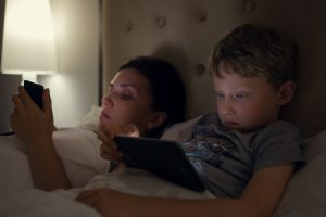 Insomnie parents smartphones enfants ipad stress anxiété